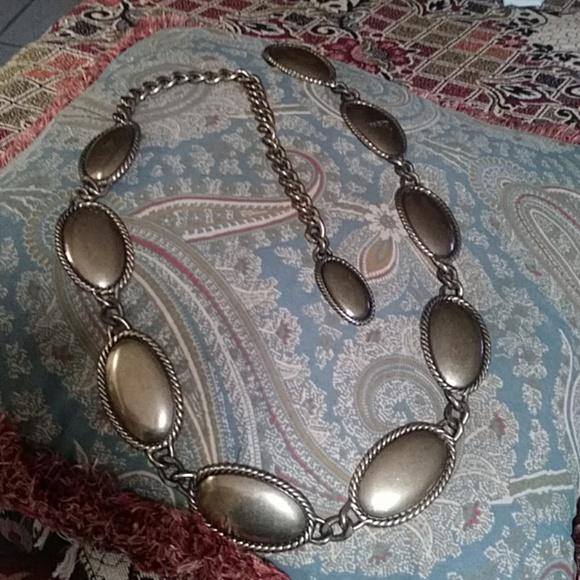 Calvin Klein Accessories - Pretty metal belt